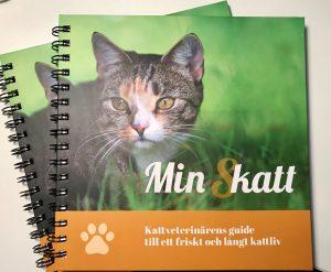 Helgerbjudande för nya katthälsoboken